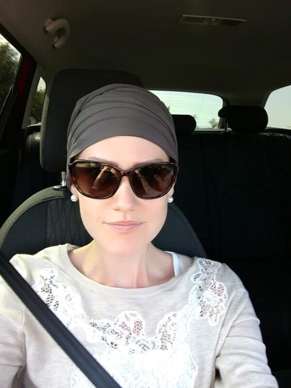 Šatka na hlavu pre onkologických pacientov po chemoterapii šedá - taktrochainak.sk
