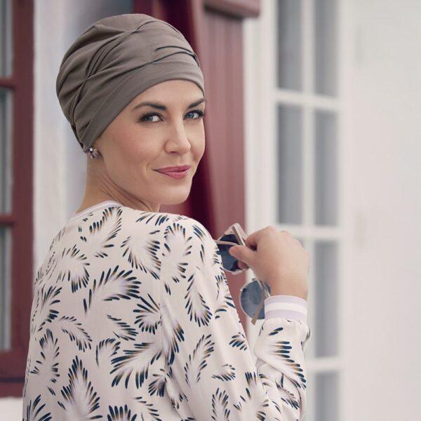 lacný-pekný-turban-šatka-pre-onkologických-pacientov-hnedý-becca-img-taktrochainak.sk