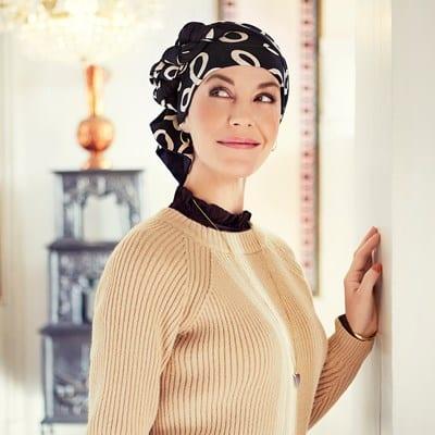 Šatka na hlavu po chemoterapii Mantra čierna so vzorom - taktrochainak.sk