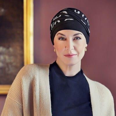 Turban na hlavu po chemoterapii Shanti čierny so vzorom - taktrochainak.sk